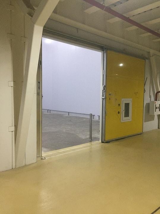 Монтаж откатных холодильных дверей в Волгограде